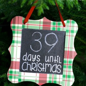 christmas-countdown-chalkboard-ornament-diy